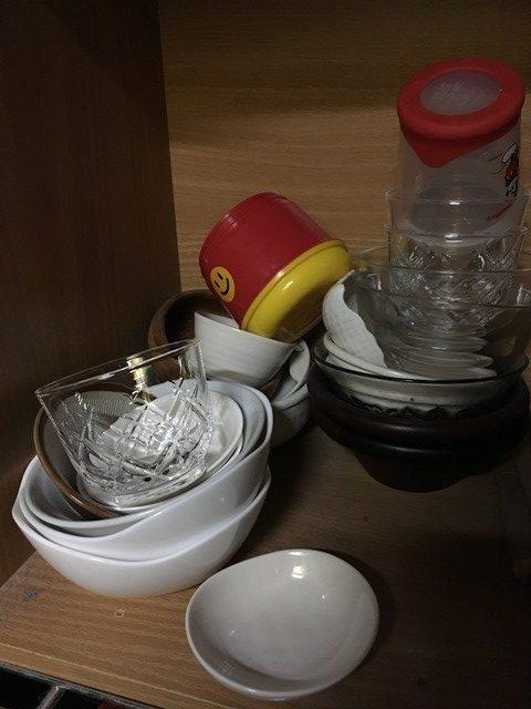断捨離する前の片付かない食器類
