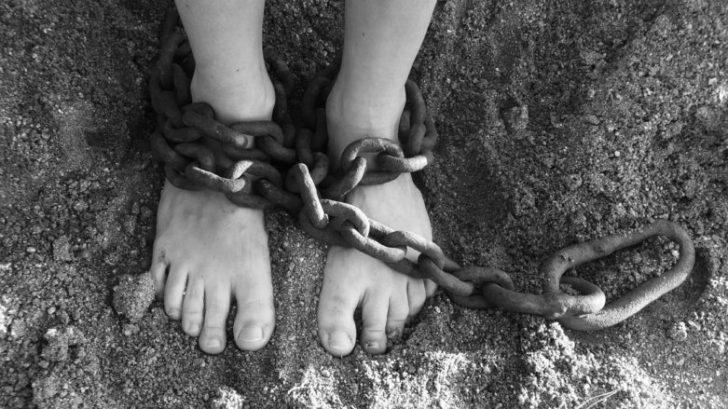 サラリーマンの9割は子どもを人質に取られている