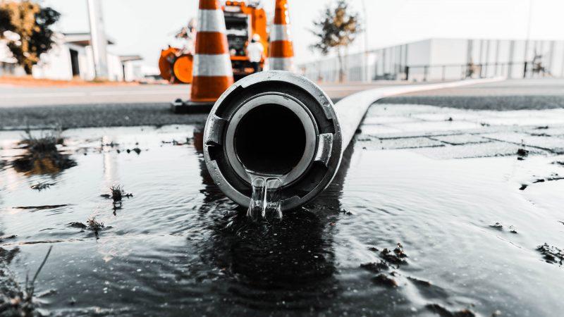 アクアリウム水槽の水漏れ事故
