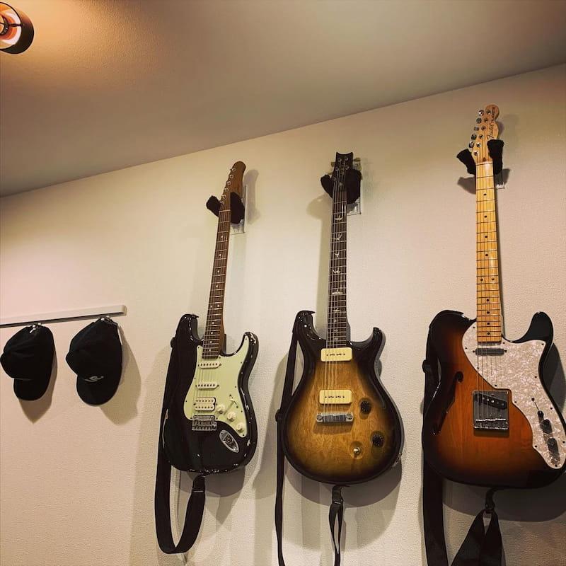 賃貸でもギターフックをDIY